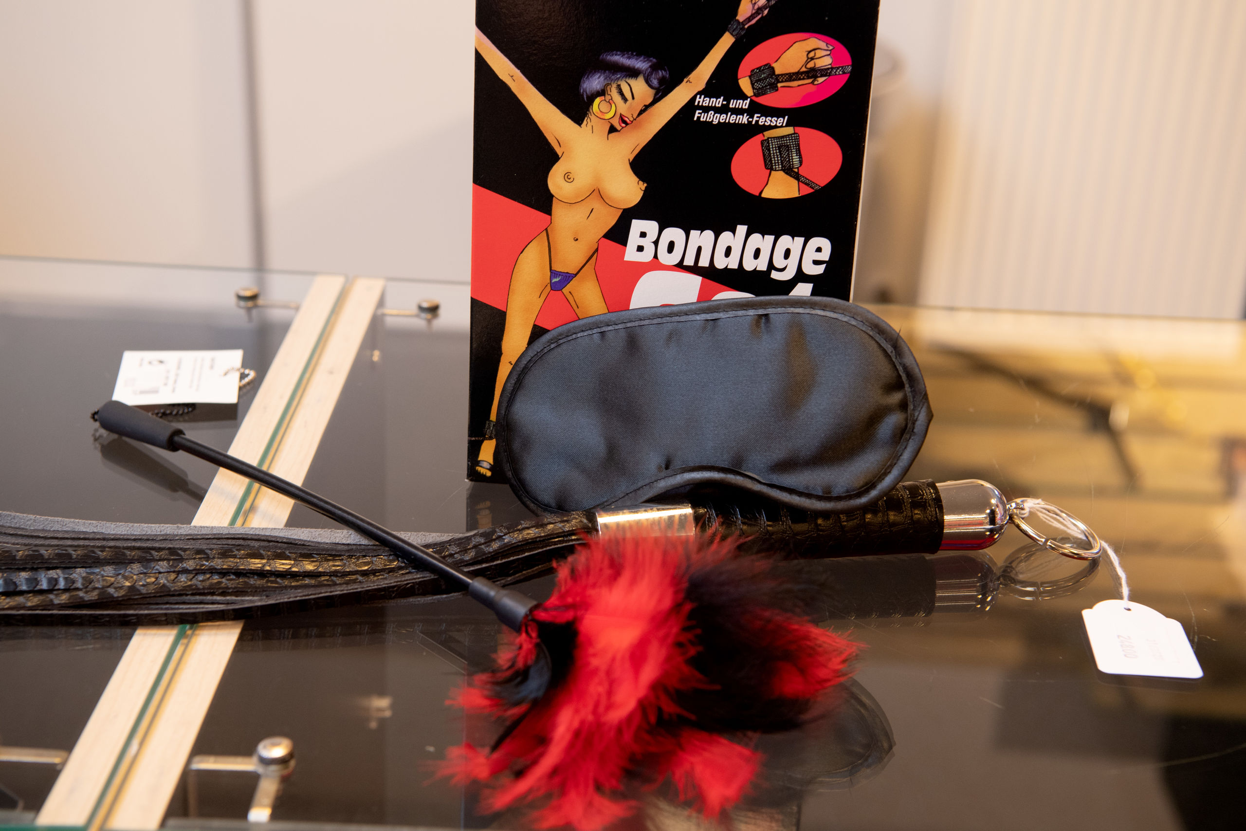 1. pladsen går suverænt til en storsælgende Fifty Shades pakke med diverse sadomasochistisk udstyr. Foto: Henrik Louis