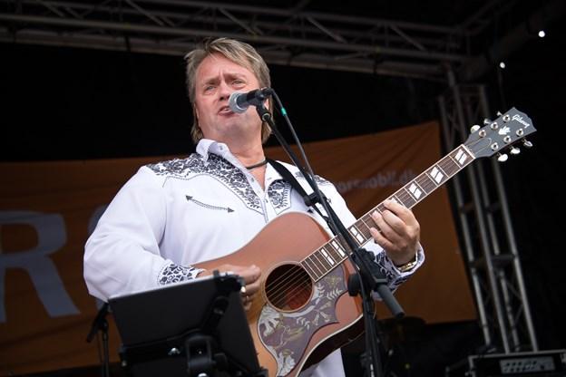 Johnny Hansen kan opleves solo i Frederiskhavn 25. april. Arkivfoto: Bo Lehm