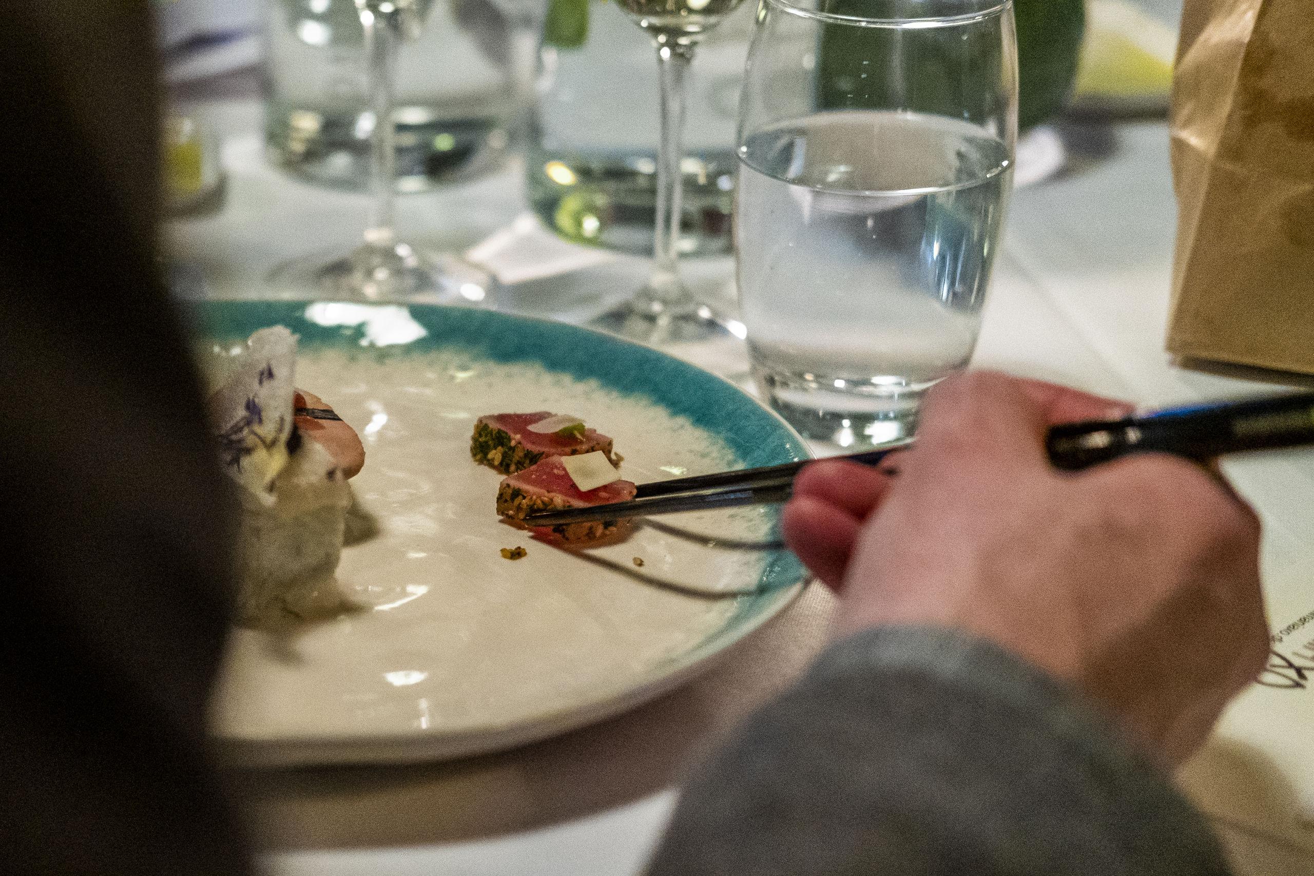 Gæster og dommere fik en stor oplevelse til dysten mellem de to Aalborg-restauranter. Foto: Lasse Sand