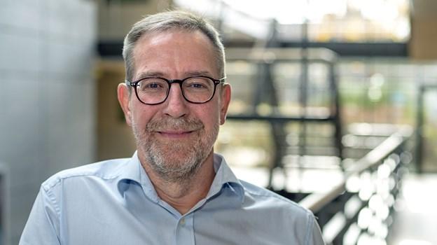 Cheføkonom Jens Nyholm ?mener, at i hvert fald en af ?forklaringerne kan være, at de lave boligpriser giver nordjyderne flere penge til forbrug. ?Foto: Thomas Gaardsmand
