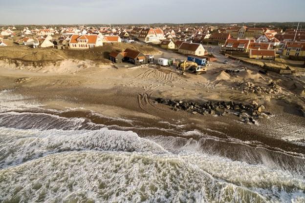Kommunen er gået i gang med at renovere Solnedgangspladsen i Gl. Skagen. Den nye plads skal indvies til sankthans. Foto: Peter Broen.