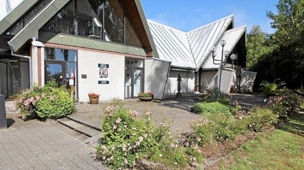 Forpladsen har set således ud siden indvielsen i 1977. I løbet af de kommende måneder renoveres hele området.  Foto: Jørgen Ingvardsen Jørgen Ingvardsen