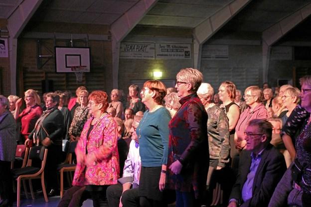 "Publikum måtte ""hjælpe til"" i sangen ""Rytme in my body"". Foto: Hans B. Henriksen Hans B. Henriksen"