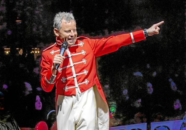 Bubber er igen konferencier hos Cirkus Arena og har fået lov til at sammensætte årets forestilling.Pressefoto: Christian Warrer