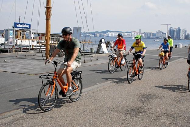 Amerikanske cyklister nød turen på havnefronten i herligt sommervejr. Foto: Ole Skouboe
