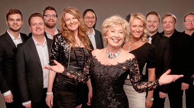 Evigtunge Birthe Kjær skal også være med til at trække publikum til sommerkoncert i Øster Hurup. PR-foto