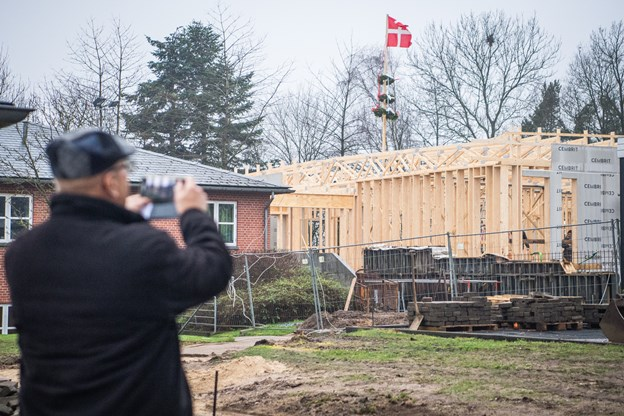 Blå Kors Hjemmets nye aktivitetshus får plads til både fitness, hobby, undervisning, behandling og terapi. Huset koster 7,2 millioner kroner og finansieres af Blå Kors Danmark. Martin Damgård