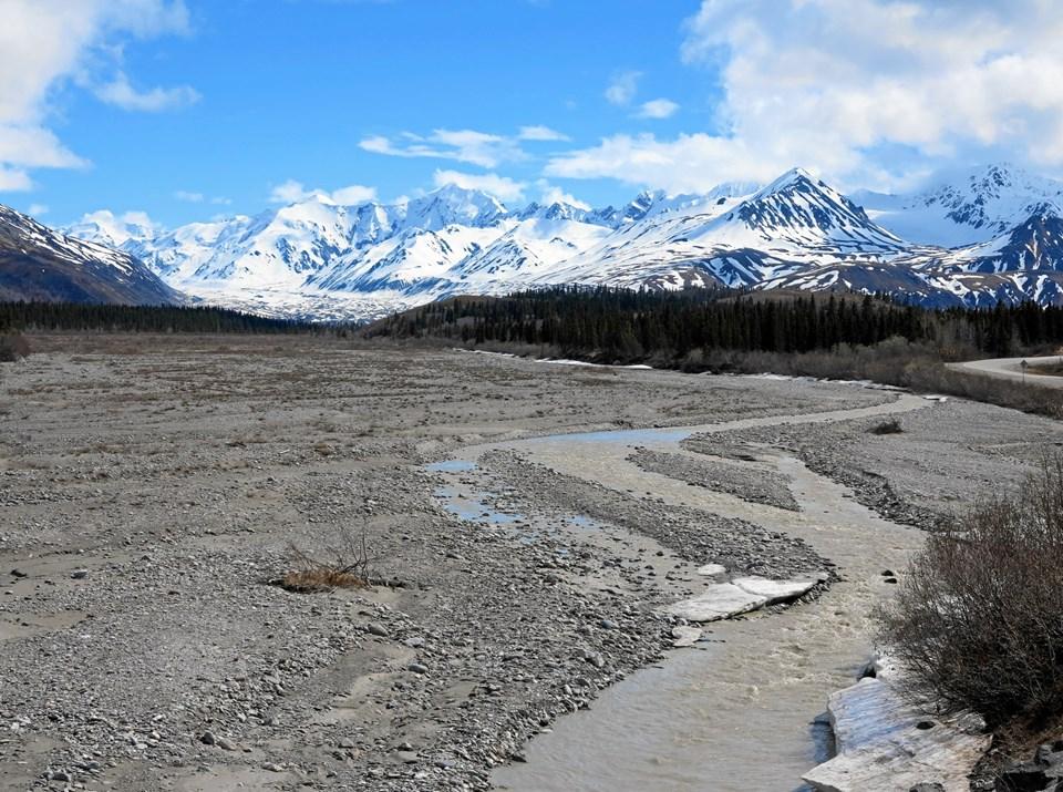 """""""Jeg tilbringer tre dage i Valdez i naturskønne omgivelser ved vandet omgivet af høje, snedækkede bjerge"""".  Foto: Lars Nielsen"""