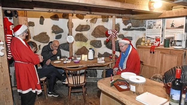 Der var varmt og hyggeligt i den gamle mølle. Foto: Ole Iversen Ole Iversen