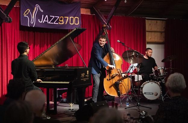Jazz 9700 melder om en god stemning til koncert med Thomas Fonnesbæk Trio. Foto: Hans Ravn