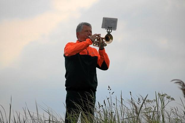 De løbere der løber tidligt søndag morgen, kan opleve Mogens Aarup fra Musikkorps Sæby, der spiller solen op. Foto: Tommy Thomsen Tommy Thomsen