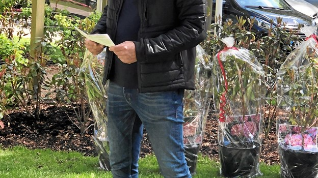 Gartnerformand Rasmus Thorgaard fortalte lidt om planten på dagen. Privatfoto