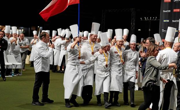 Sejren var formidabel og Kenneth Toft-Hansen og hans team indtog med stor glæde og jubel podiet som vinder af Bocuse d'Or 2019. Foto: Bocuse d'Or Team DK