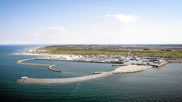 Byggeriet og udviklingen af Hanstholm havn skrider frem. På tirsdagens info-møde vil alle kunne høre om hvad status er for det store byggeri. Visualisering: Aarsleff AS