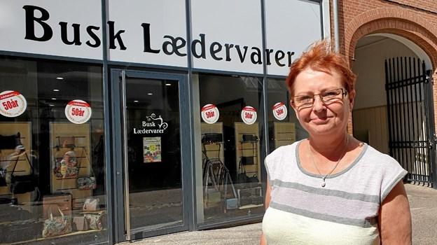 Annemarie Kofoed glæder sig til at komme i gang igen, og få branden i Storegade lidt på afstand. Foto: Ole Iversen