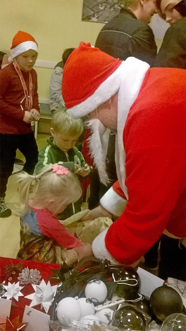 Julemanden vil komme forbi to gange i løbet af julemarkedet i Stenild Forsamlingshus. Privatfoto