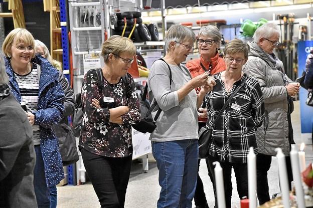 Mange af kvinderne er klar til næste år igen i byggemarkedet efter lukketid.