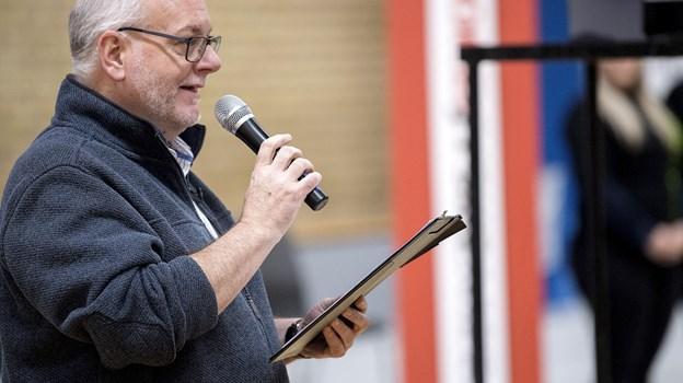 Journalist Søren Wormslev styrer de to timers vælgermøde 4. juni på DS Arena i Hobro. Arkivfoto
