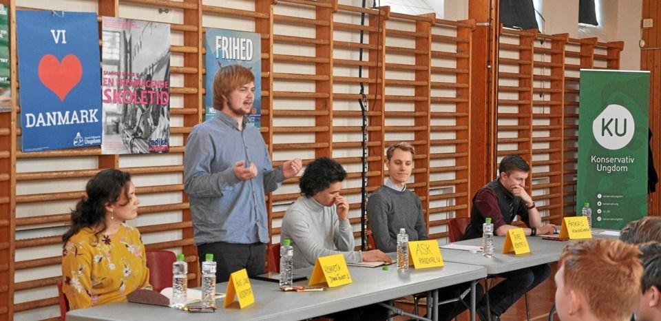 De fem ungdomspolitikere i panelet var gode til at fremlægge deres politiske budskab og debattere indbyrdes.Foto: Ole Torp Picasa