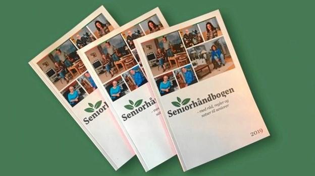 Seniorhåndbogen findes både på tryk og digitalt.