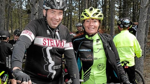 Ronnie Toft som er en af initiativtagerne, her sammne med Maybrit Mariager, der er coach for et nyt MTB hold for kvinder. Foto: Peter Jørgensen Peter Jørgensen