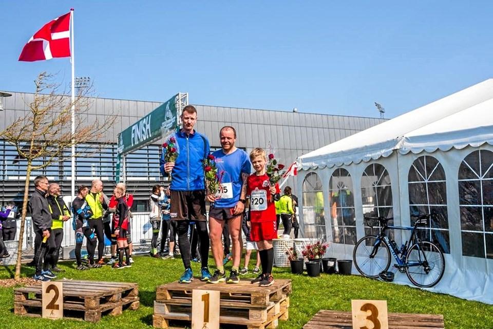De hurtigste på 6 km ruten mænd: Jacob Møller-Iversen (i midten), Asbjørn Lynge og 9-årige Mathias Svane.Foto: Jeanette Eggers Ole Iversen