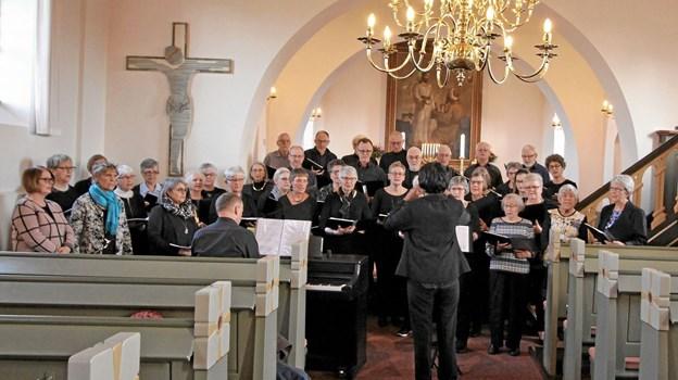 Korene fra Voer og Agersted kirker og Gistrup Koret gav en smuk koncert i Agersted Kirke i lørdags. Foto: Jørgen Ingvardsen