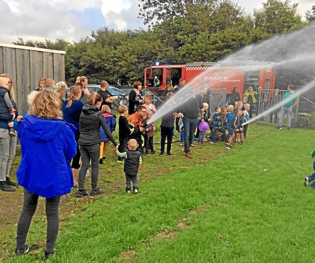 Sommerfesten blev afsluttet ved hjælp af det lokale brandvæsen.Privatfoto