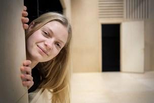 Amanda dyrker musikken om dagen og teatret om aftenen