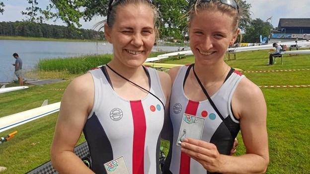Ida Blomstrand og Sofie Vikkelsoe viste fin form forud for det forestående junior-VM i Japan, da de ved de nordiske mesterskaber i Sarpsborg roede i mål som sikre vindere. Privatfoto
