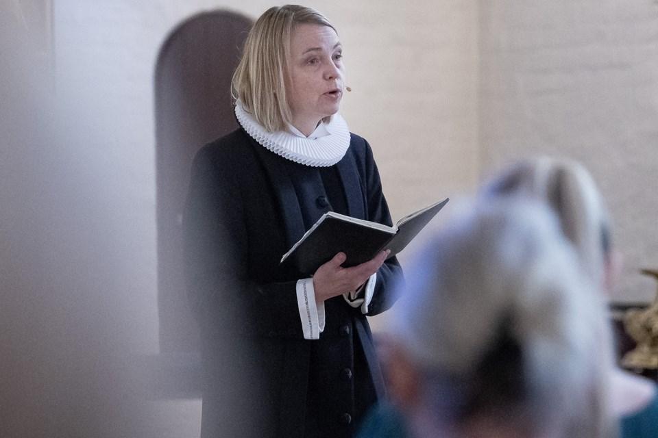 Søndag havde Line Kjær Nielsen sidste gudstjeneste i Thisted, inden teltpælene rykkes op. Foto: Peter Mørk