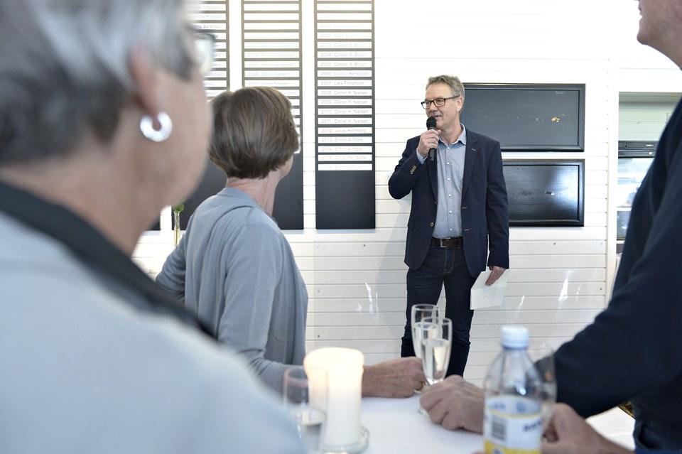 Formanden for Frederikshavn Golf Klub hedder Tore Vedelsdal, og han bød gæsterne velkommen til reception. Foto: Bente Poder