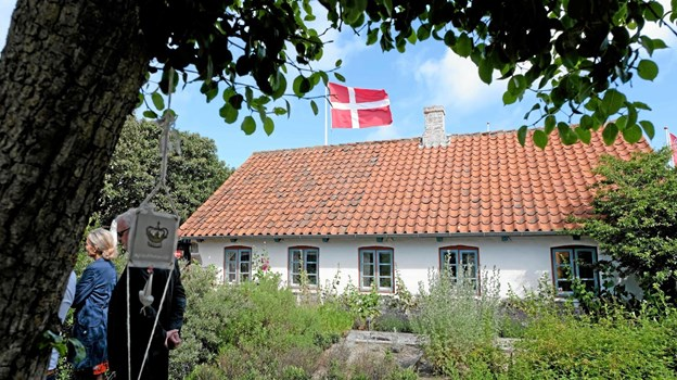 """Mandag den 1. juli åbnede Hirtshals Museums haveaktiviteter. Det skete i rigtigt """"Hirtshals vejr"""" med sol, drivende skyer og en strid vestenvind. Foto: Niels Helver Niels Helver"""