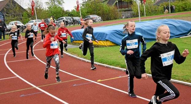 Der løbes 400m løb på stadion Foto: Gunnar Møller Nielsen