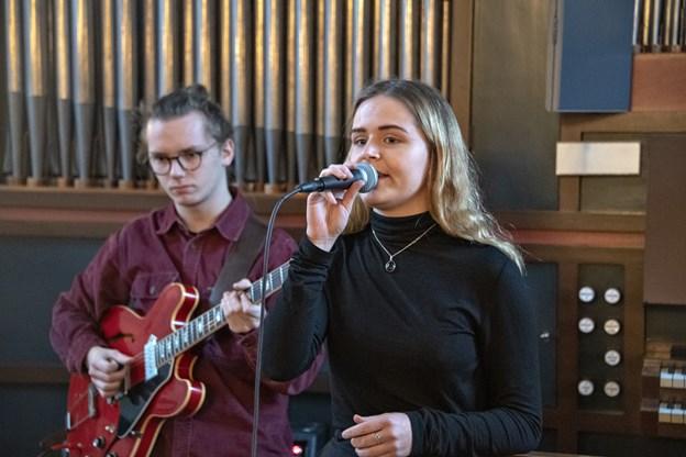 """Christine Aggerholm leverede sang på """"One"""" og var også med på de andre numre.Foto: Kurt Bering Kurt Bering"""
