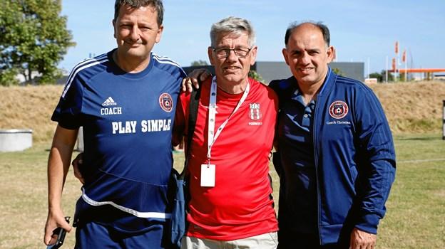 Hjælpetræner Fernando, host Per Thomsen og træner Christian.