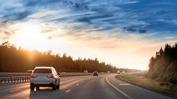 En ny undersøgelse fra GF Fonden viser bl.a., at 17 procent af de danske kør-selv-turister lader den samme chauffør køre mere end otte timer. Genvejen til at komme sikkert frem på ferie er gode pauser og at skifte chauffør undervejs. Foto: Stock, GF-arkiv