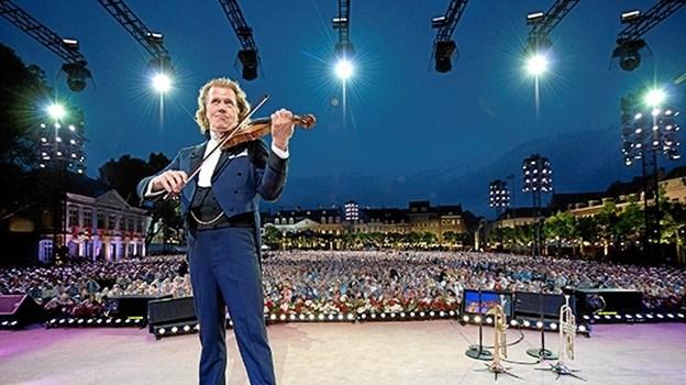 Andre Rieu fra nytårskoncerten, som du kan se i biografen. Foto: Marcel van Hoorn