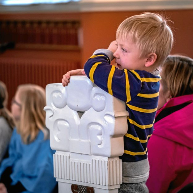 Gudstjenester for børn kan være spændende. Privatfoto.