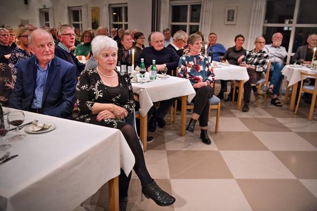 Publikum var veloplagt - og tog de mange flotte præstationer fra de fire musikere til sig. Foto: Hans Ravn