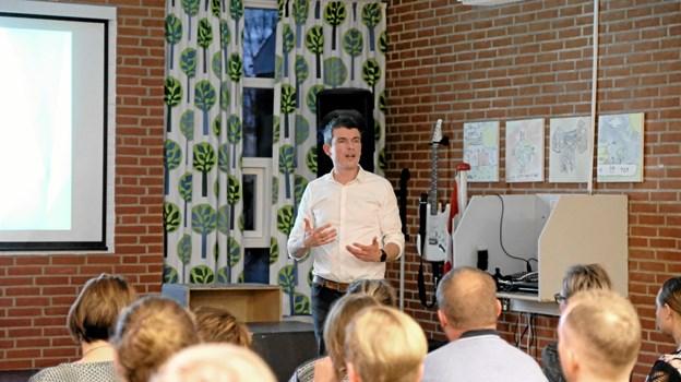 Skoleleder Mads Vejen fortæller om sine mål og visioner for skolen. Foto: Niels Helver Niels Helver