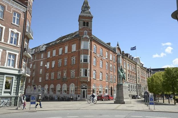 Det er definitivt slut med at huse flygtninge på det tidligere Park Hotel i Aalborg, der nu skal ombygges til 64 ungdoms- og kollegieboliger. Arkivfoto: Michael Bygballe