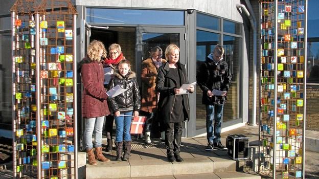 Der er indgang til Løkken Kulturhus´ arrangementer gennem den fine portal som blev indviet ved skolens 50 års jubilæum i 2013. Foto: Arkivfoto