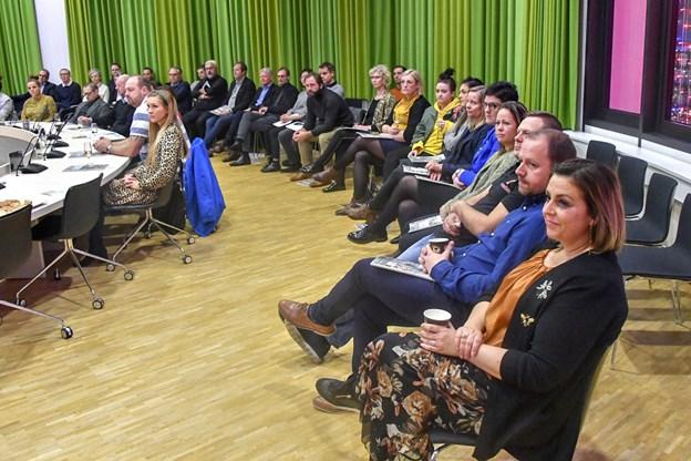 Yderst til højre eventchef Rikke Ejsenhardt og formanden for Hjørring Handel Allan Sørensen.Foto: Kurt Bering Kurt Bering