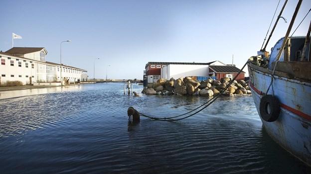 Sådan tog kajen sig ud i Skagen for 12 år siden - der er sikkert adskillige, der kan huske det. Men sådanne hændelser vil også fremover være sjældnere i Skagen end i Esbjerg - selv om der selvfølgelig kommer flere når vandet stige frem mod århundredeskiftet. Foto: Peter Broen
