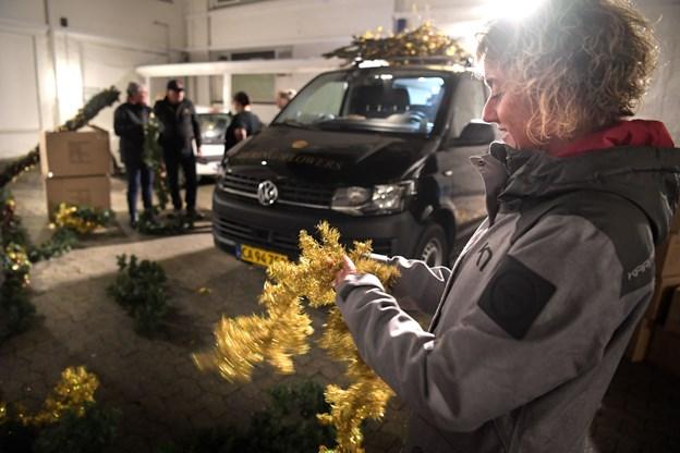 Foruden Bjarne Als var seks medarbejdere fra Bering House of Flowers taget med til Aalborg for at pynte Løve Apoteket.