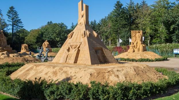 Onsdagsklubben besøger skulpturparken. Foto: Kim Dahl Hansen