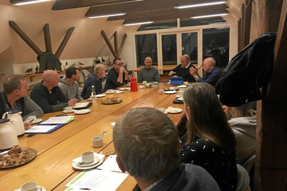 Gruppen af grønne ambassadører er kommet godt fra start og er i gang med at planlægge initiativer, der skal sætte skub til den bæredygtige udvikling i lokalområdet.