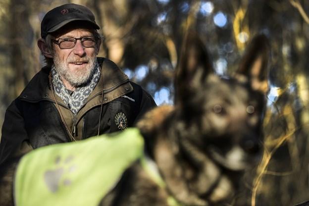 Hundefører Knud Krebs er på eftersøgningsopgave 10 til 12 gange på årsbasis.