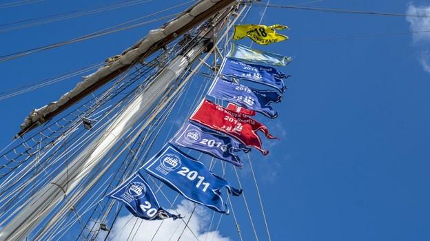 Snart kan skibene hejse yderligere et Tall Ships-flag, hvor der står Aalborg på. Foto: Lasse Sand